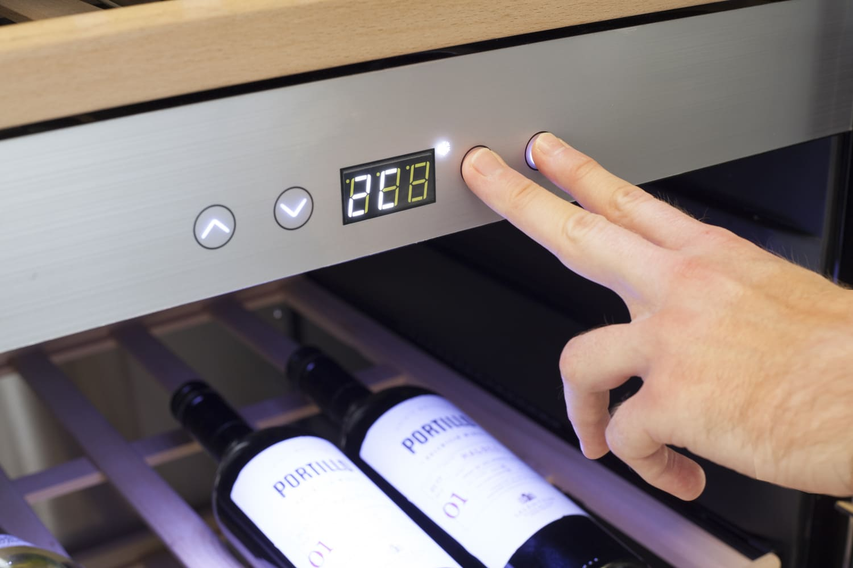ремонт винного шкафа